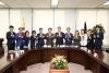 정우택 의원 허용범 국회 도서관장 면담 및 참관